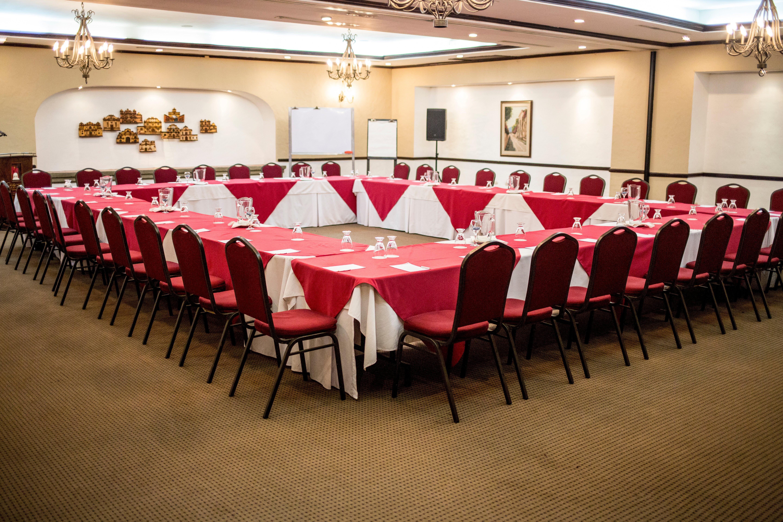 conoce-los-salones-disponibles-para-un-evento-corporativo-en-hoteles-soleil3