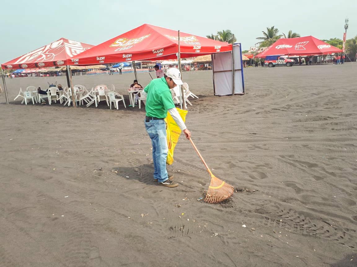 un-granito-de-arena-por-una-playa-mas-limpia_2_