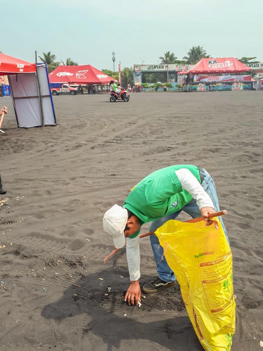 un-granito-de-arena-por-una-playa-mas-limpia_3_